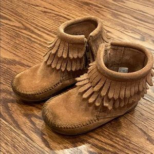 Minnetonka girls moccasins
